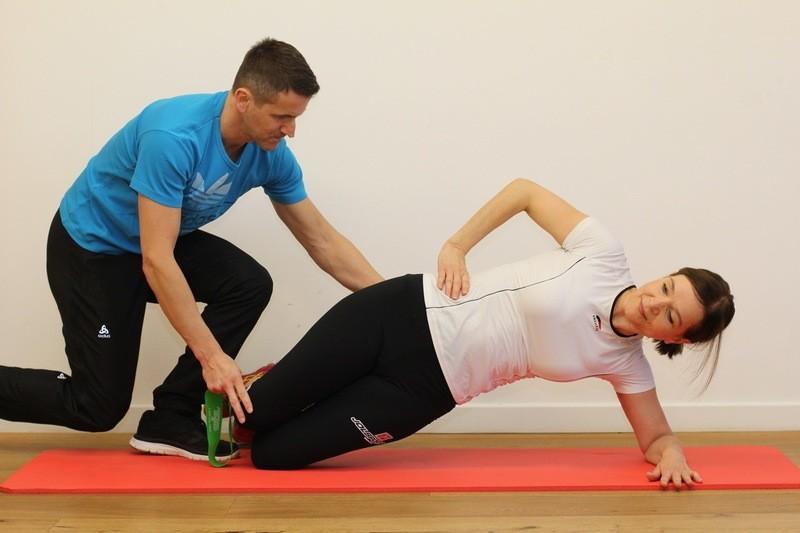 Verhindern von Überlastungsschäden -  functional movement screening + Korrekturübungen