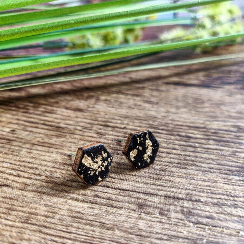 BLACK & GOLD: oorbellen hexagon