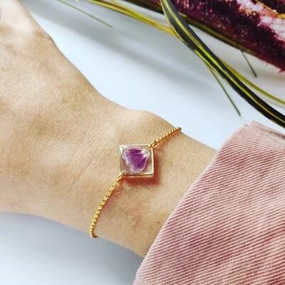PETALS: armbandje vierkant goud klein