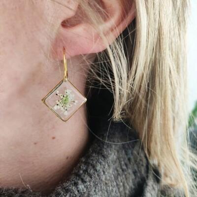 BLOSSOMS: oorbellen goud vierkant