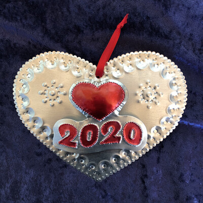2 Dimension 2020 Heart Ornament