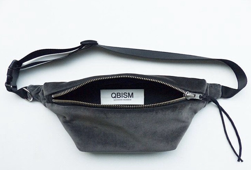 """QBISM """"Fanny pack"""" / Velour, Light Grey (Delivery only in Japan)"""