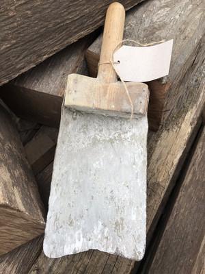 Oude cement schep