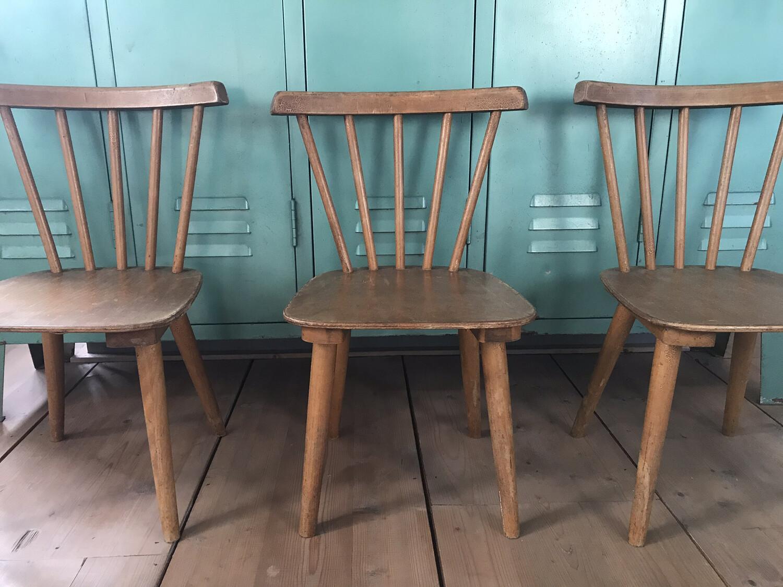 Vintage kleuterstoeltjes