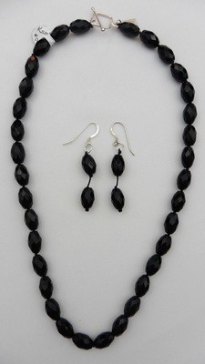 Black Onyx Faceted Handknotted Necklace Set
