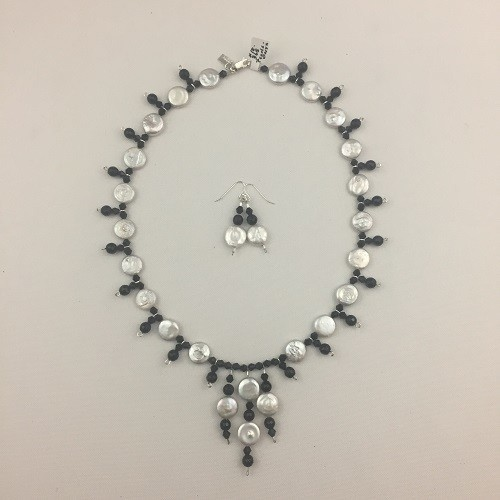 Coin Freshwater Pearls & Onyx Necklace Set