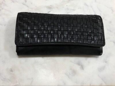 Macy - Woven Wallet Black