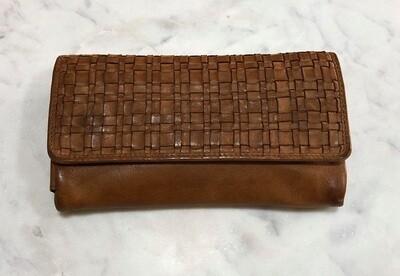 Macy - Woven Wallet Tan