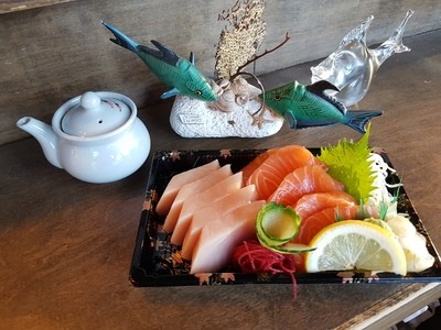 Tuna & Salmon Sashimi (10 pcs)
