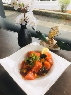 Spicy Salmon Sashimi (Half)