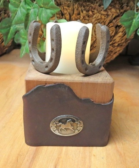Horseshoe Candle Holder ~ JO15009