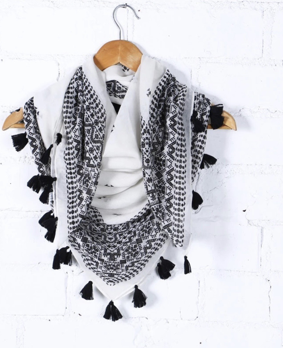White and Black Scarfe