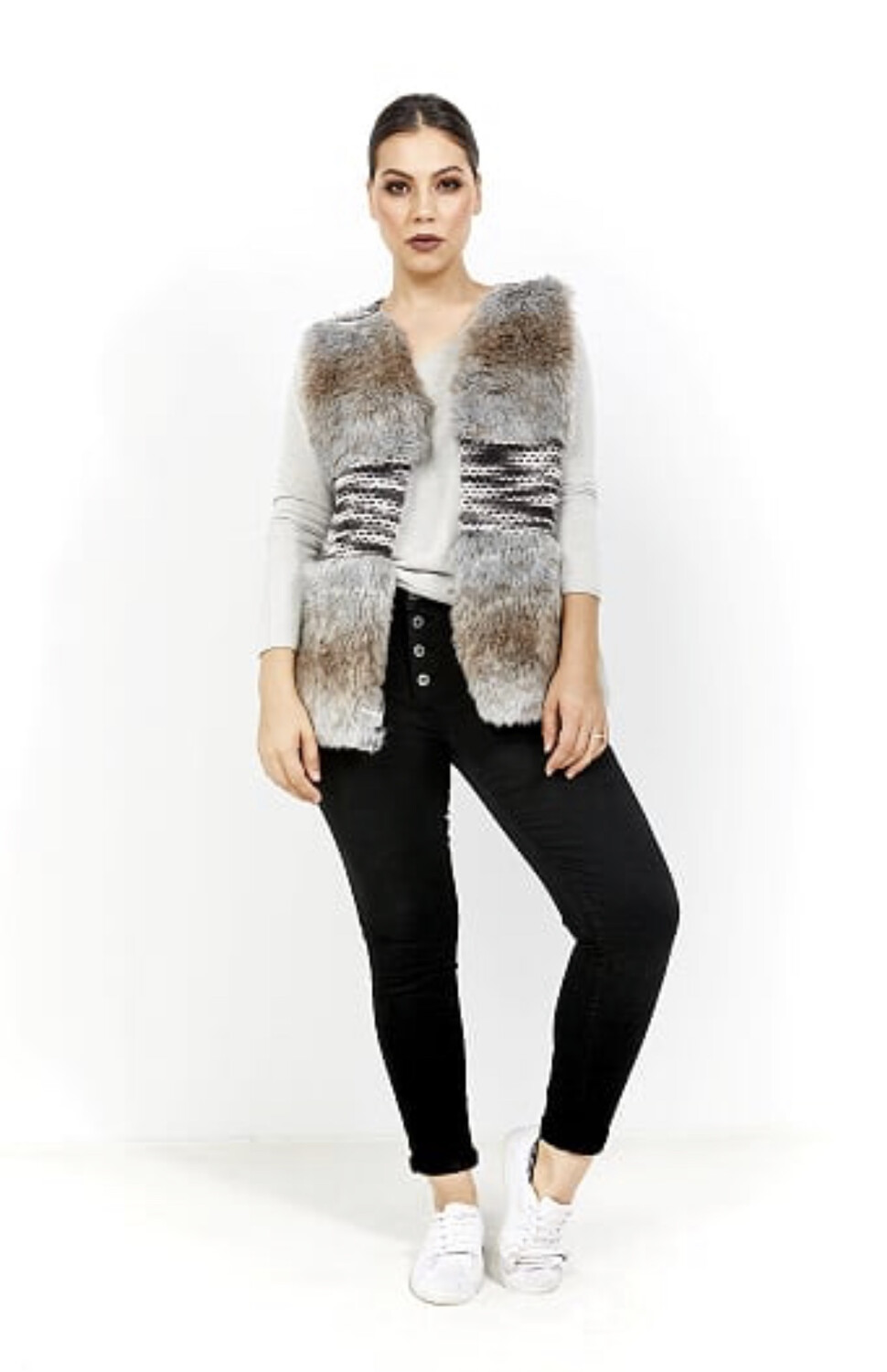 Amici Faux Fur Vest Grey
