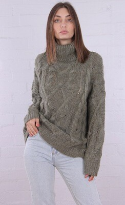 Roll Kneck Cable Knit Jumper