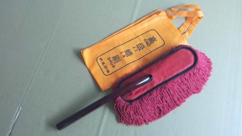NEW INRICH CORVETTE CAR DUSTER SOFT COTTON & BEES WAX WITH STORAGE POUCH AND WOOD HANDEL  LEE581 4A6