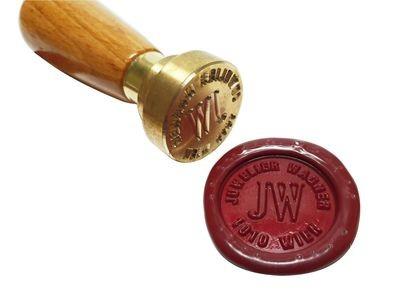 Siegel mit Initialen und Rundsatz