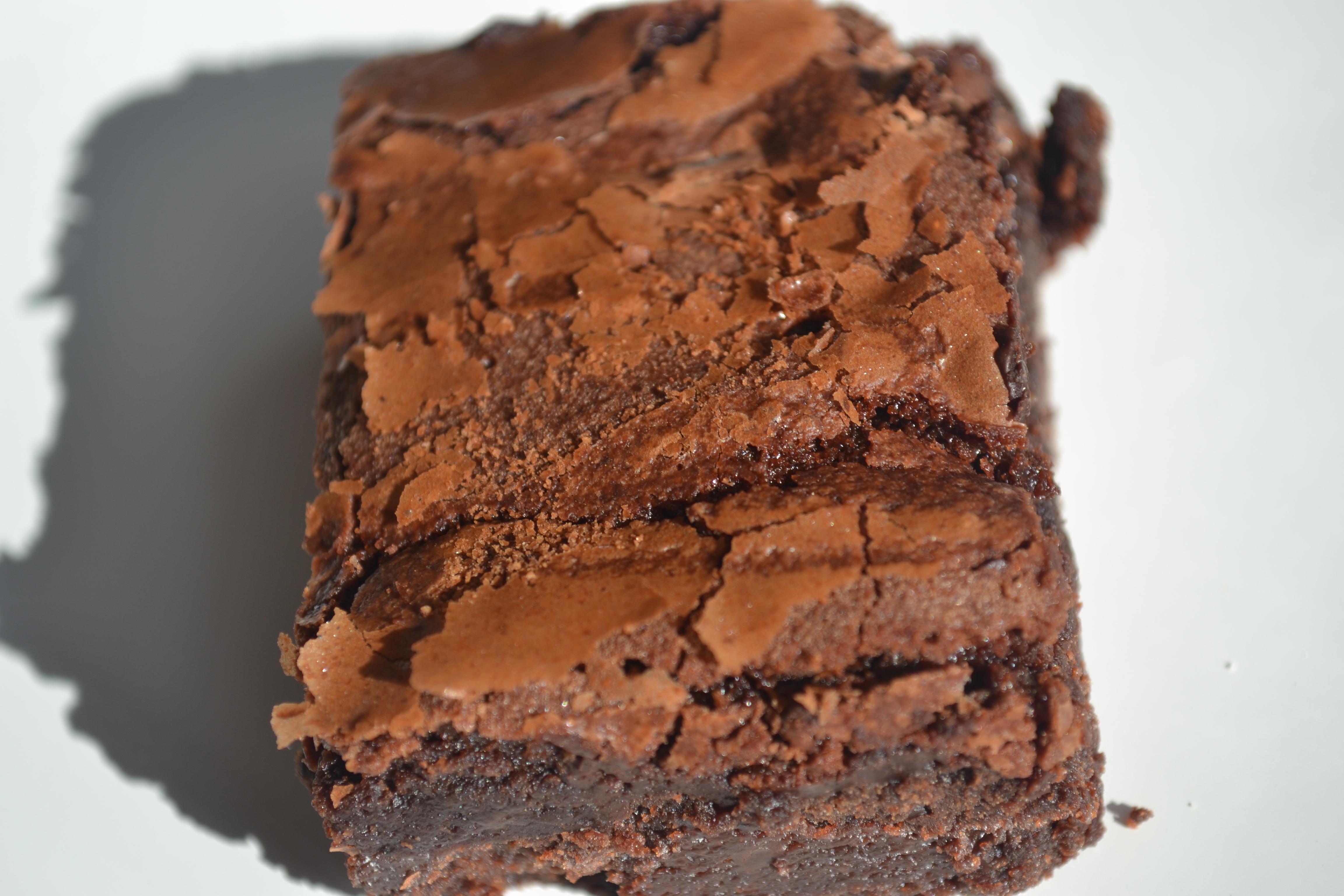 18 Chocolate Brownies with White Chocolate Chunks