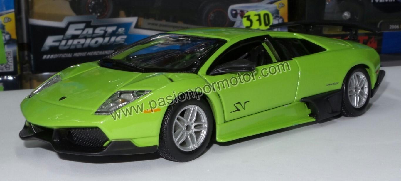 1:24 Lamborghini Murcielago LP670-4 SV 2010 Verde Bburago  En Display / A Granel