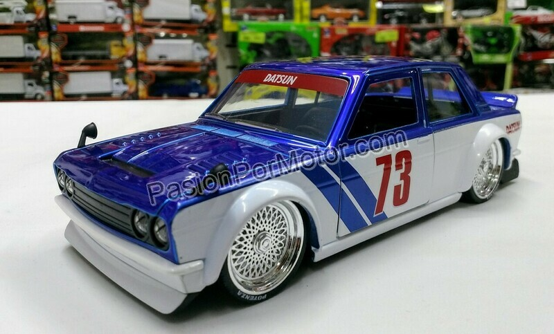 1:24 Datsun 510 Widebody 1973 Azul Blanco Jada Toys JDM Tuners En Display / A Granel