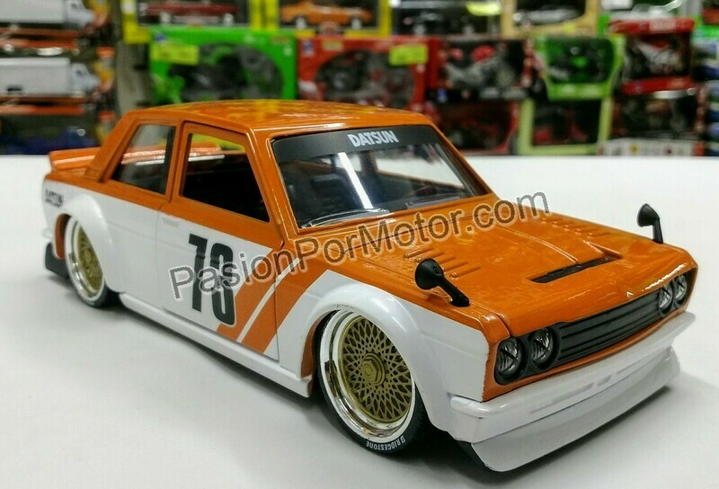 1:24 Datsun 510 Widebody 1973 Naranja Blanco Jada Toys JDM Tuners En Display / A Granel