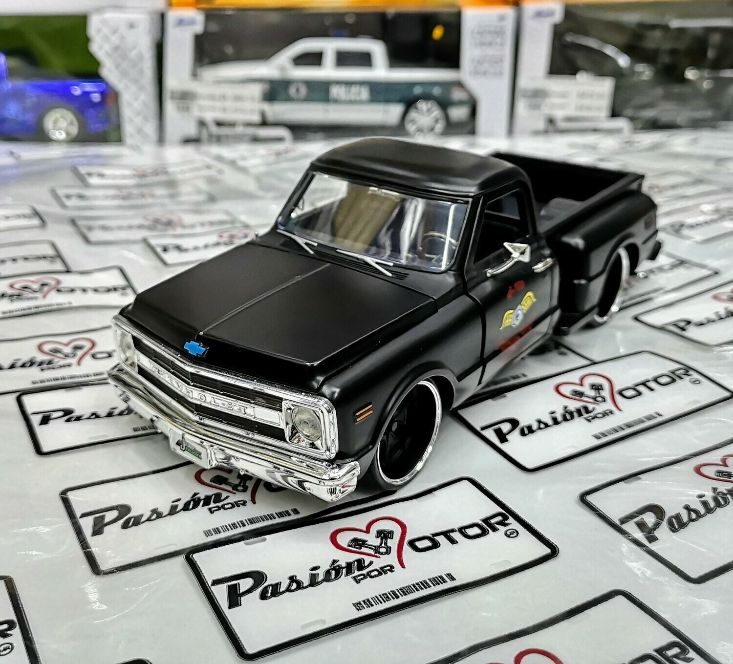 1:24 Chevrolet Pick Up C-10 Stepside 1969 Negro Mate Jada Toys Just Trucks En Display / A Granel