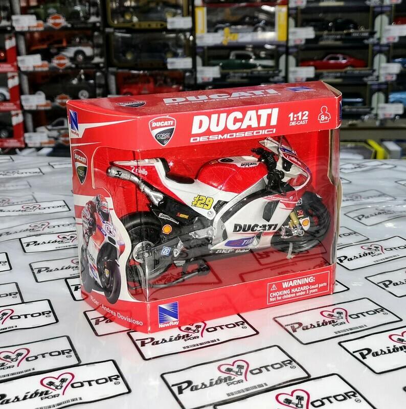 1:12 Ducati Desmosedici GP15 #29 Andrea Iannone New Ray