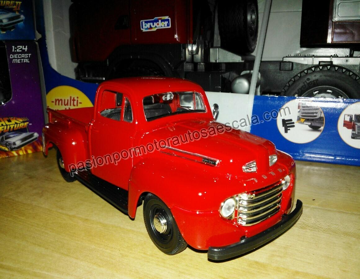 1:25 Ford F1 Pick Up 1948 Rojo de Maisto Special Edition En Display / A Granel 1:24