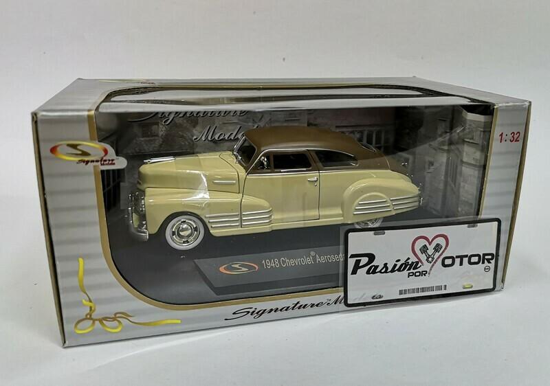 1:32 Chevrolet Aerosedan Fleetline 1948 Amarillo y Cafe Signature Models Carcacha C Caja