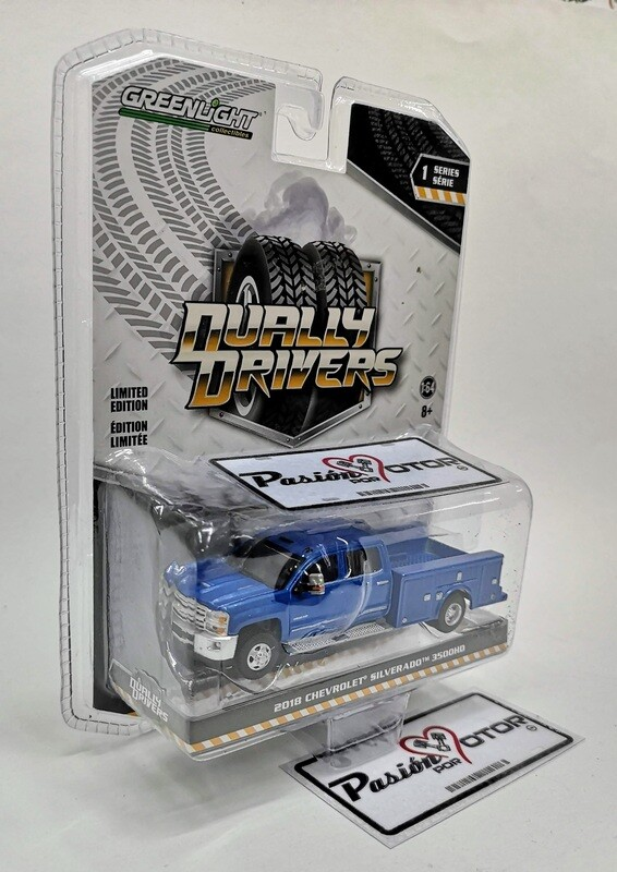 1:64 Chevrolet Silverado 3500HD 2018 Azul Greenlight Dually Drrivers Serie 1