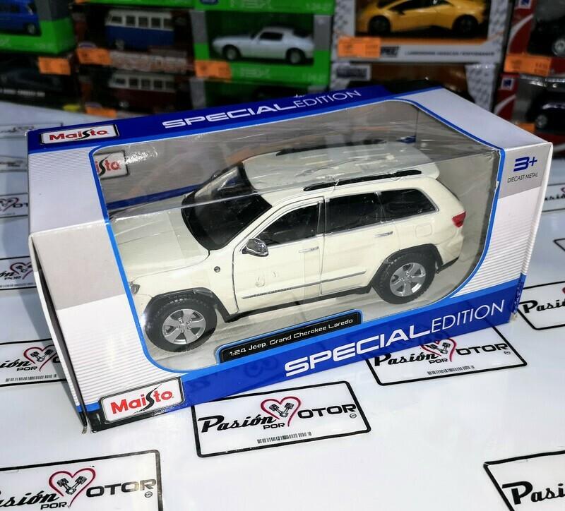 1:24 Jeep Grand Cherokee 2011 Maisto Special Edition C Caja