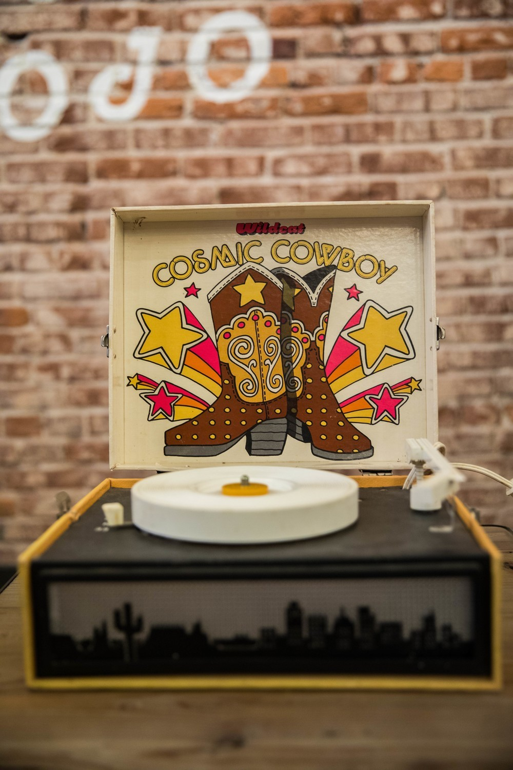 Vintage WILDCAT COSMIC COWBOY Record Player 45s & 33s Portable Suitcase Style