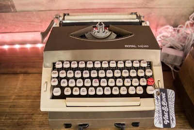 'The Dylan' - Vintage Royal Safari Working Manual Typewriter
