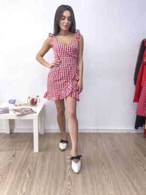 Короткое красно-белое платье на запах