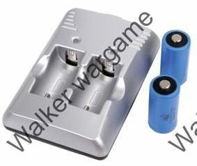 UiFire 3V 880mAh CR123A Battery X 2 + Charger