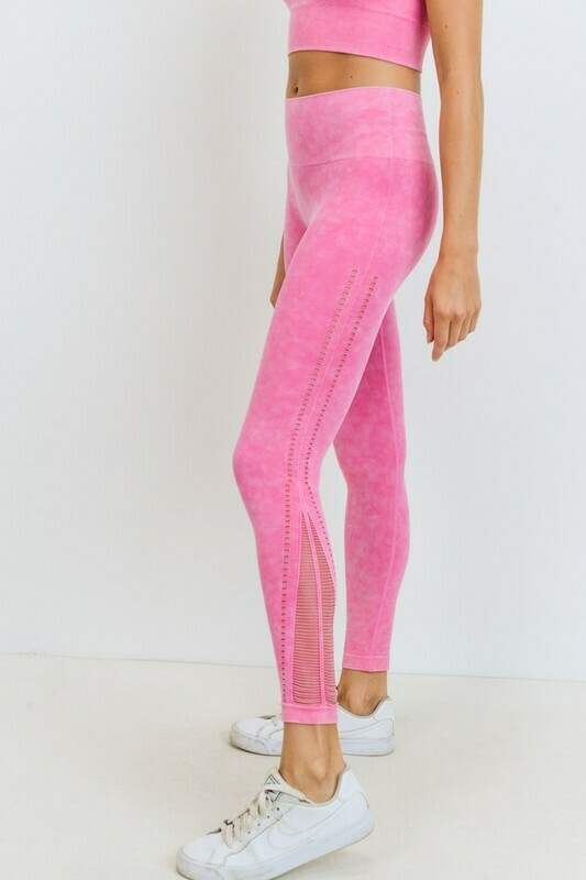Threaded & Perforated Seamless Highwaist Leggings