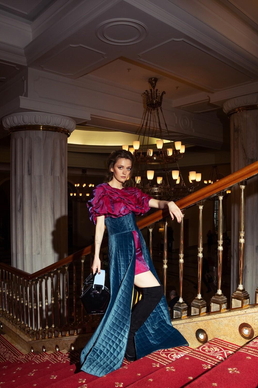 Платье и юбка с корсетным поясом