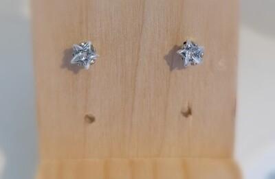 Stekertjes met diamant in stervorm - klein - SUZE