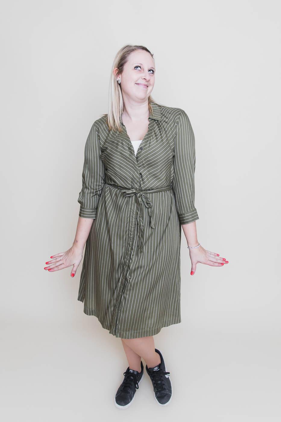 Midi jurk - ROBBIE - kaki met witte streep