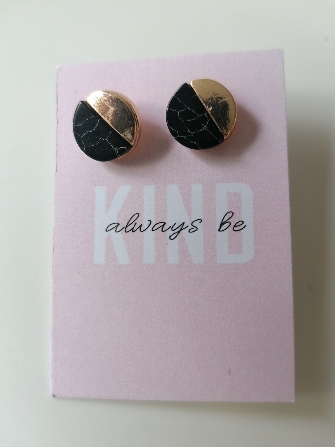 Oorbellen stekertjes - always be kind