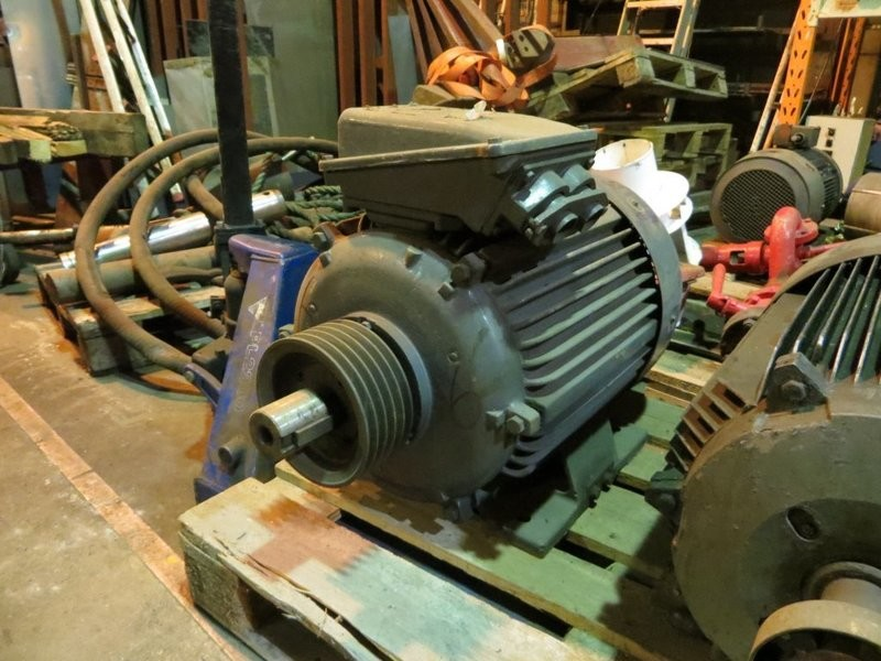 6. El motorer - 45kw 220/380v