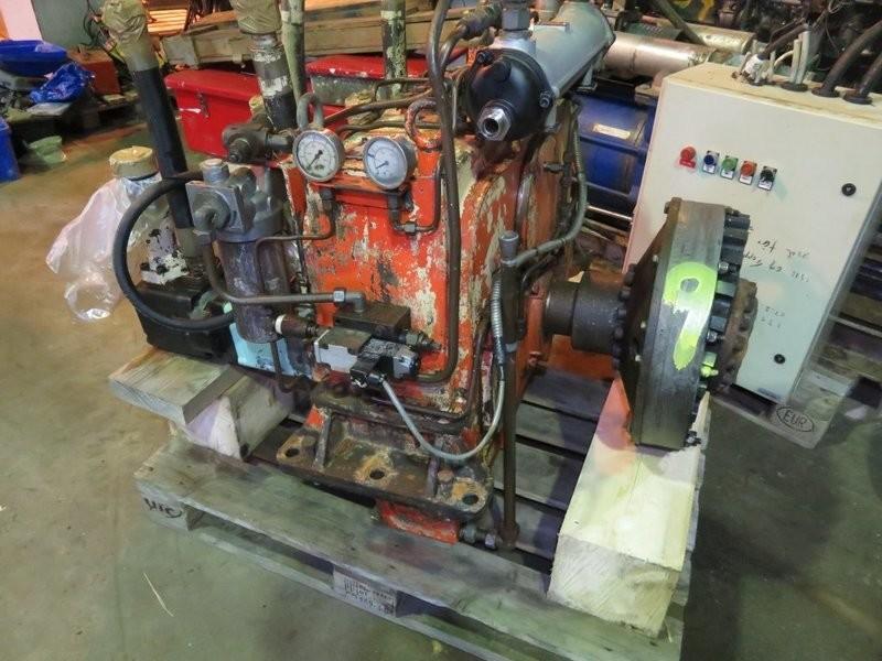 9. Gear boxes - Hytek Forkant gir PTO  m/ pumpe