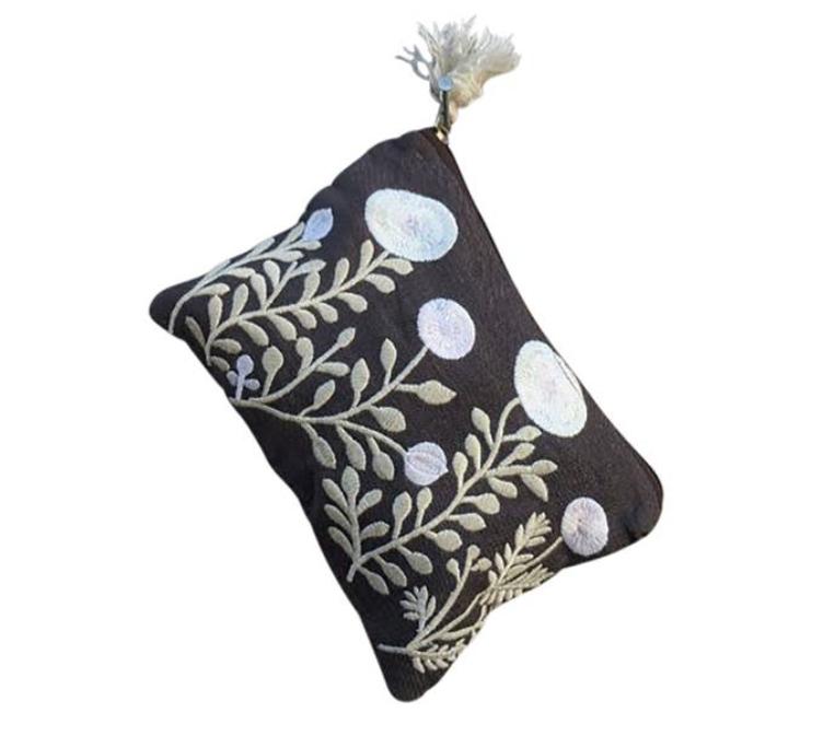 Free Garden Linen pouch