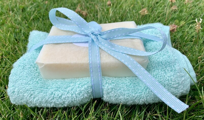 Lavender and May Chang 110g Soap with Premium Bamboo Face Cloth