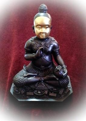 Kumarn Nuea Tong Bucha Statue Masterpiece Version Bronze + Sacred Powders + 6 Amulets in Base - Bantian Mian Jia Maha Sanaeh Edition - Luang Phu In