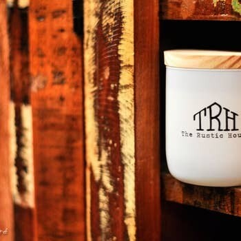 Teakwood Candle- The Rustic House