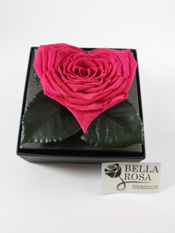 Rosa Preservada Rosado Oscuro en Forma de Corazón Caja Acrílica