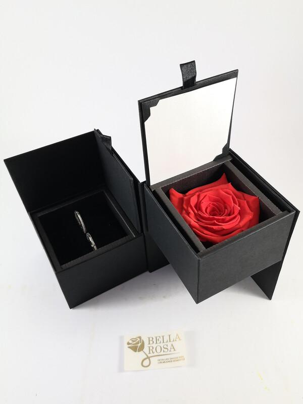 Caja elegante (13 cm x 9 cm ) rosa natural preservada color ora ( 7 cm x 7 cm )