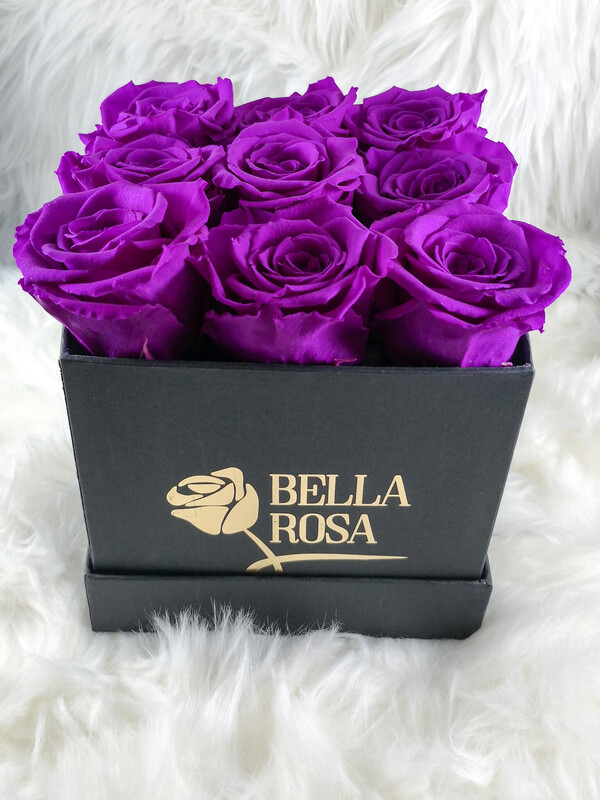 9 rosas preservadas en caja negra, blanca o rosada