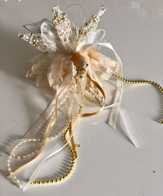 Hanging Lily Bell - Ivory And Gold