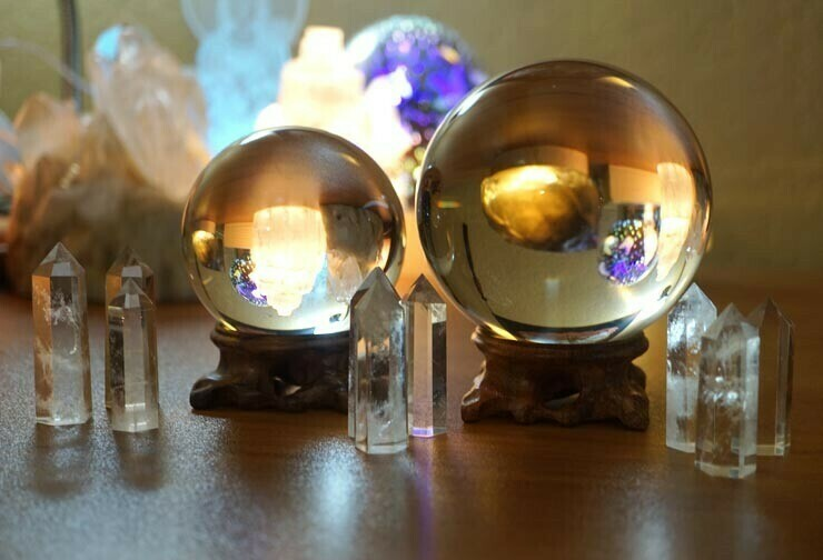 80mm  and 100mm Crystal Balls clear